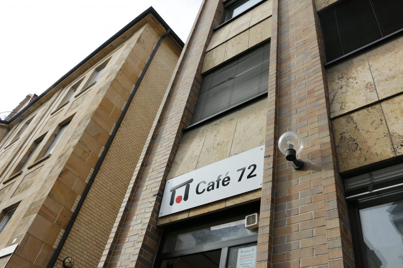 Das Café 72